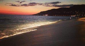 Malibu_beach_at_sunset